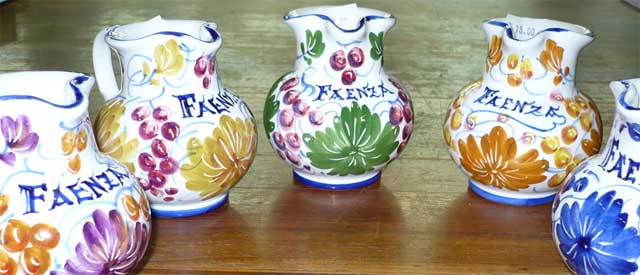 Faenza pottery, image from lavecchiafaenza.it