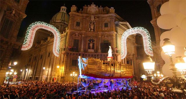 Festa di Santa Rosalia, photo from livesicilia.it
