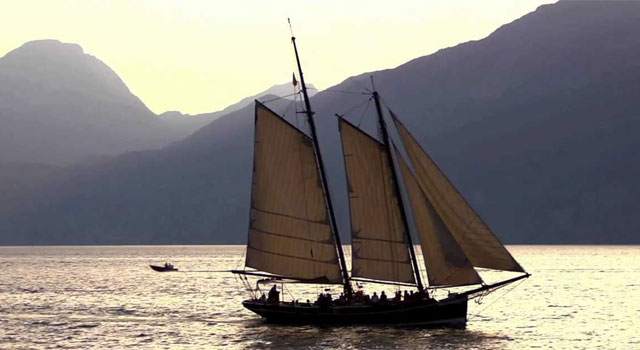Boat weddings: Siora Veronica, ancient sailboat for weddings on Lake Garda