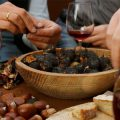 Roasted chestnuts and wine, photo from studiarearoma.it