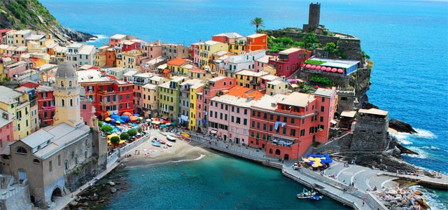 The colorful village of Vernazza, image from incinqueterre.com