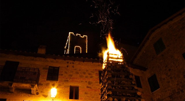 The holy & the profane mix during Christmas on Mount Amiata - image from justintoscana.com