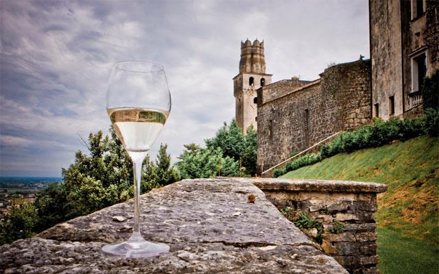 Prosecco tasting at Castello di San Salvatore - image by Roberta De Min