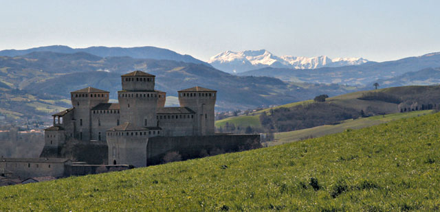 Castello di Torrechiara - image by Davide Bolsi