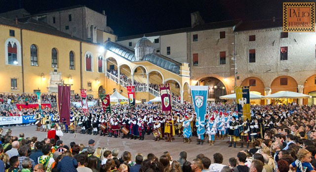 The Piazza heats up and gets ready for the Palio in Ferrara. Image from paliodiferrara.it