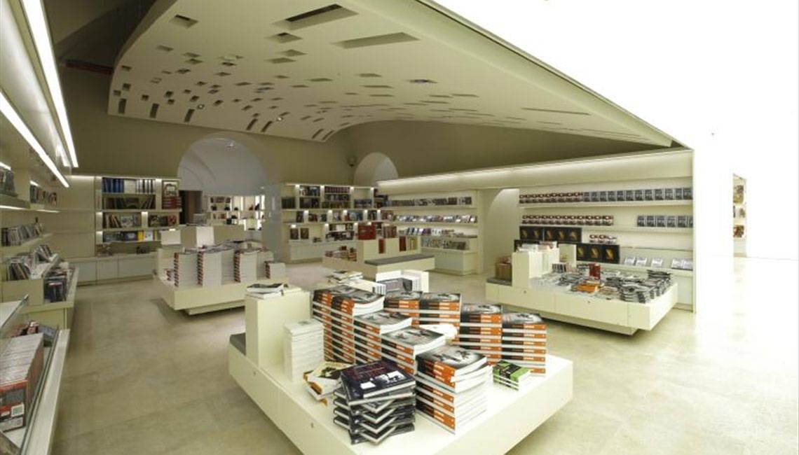 Italian Bookstores : Palazzo delle Esposizioni