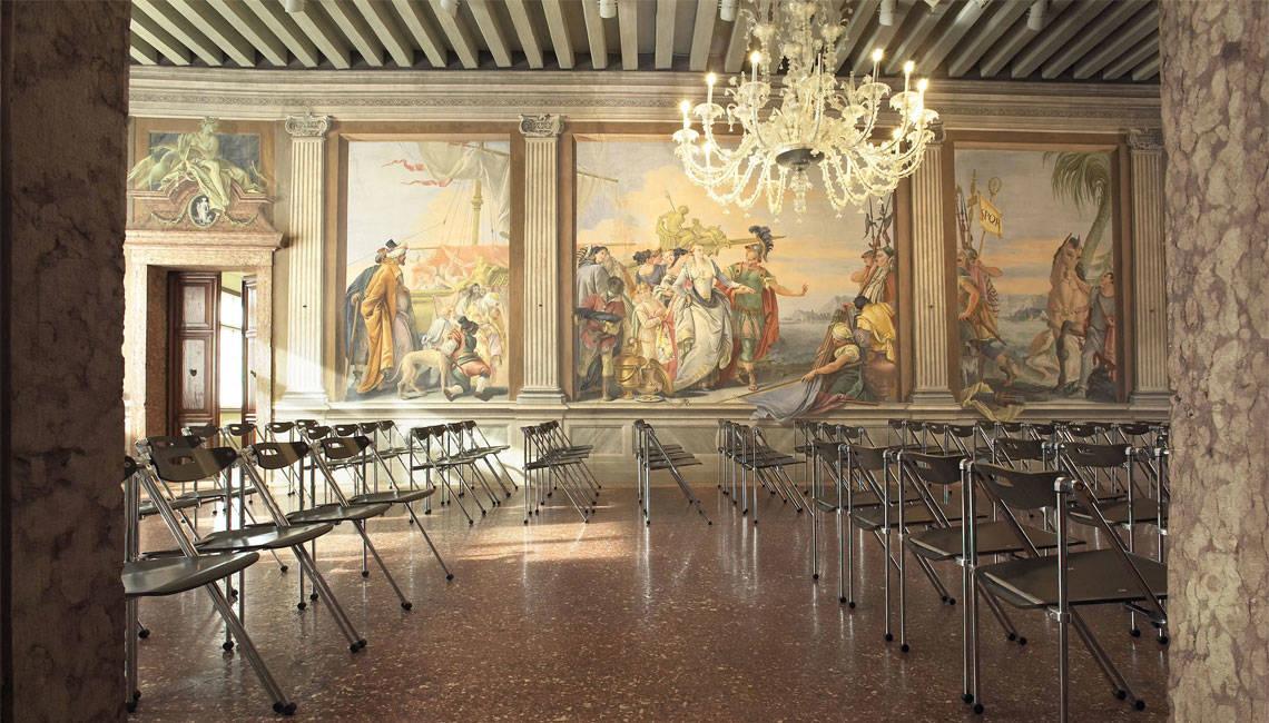 Palazzo-Roberti-Library-in-Veneto