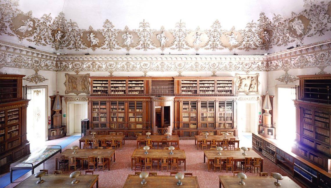 naples-library