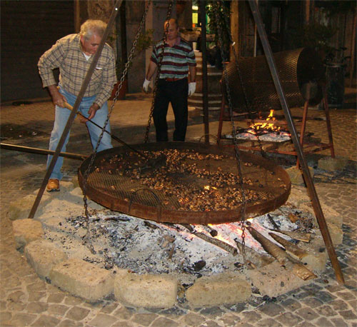 """Caldarrosta"" during the Chestnut Festival in Soriano - image from inviaggionellatuscia.it"