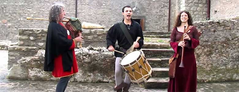 Get inspired by the locals: traditional April Events in Italy
