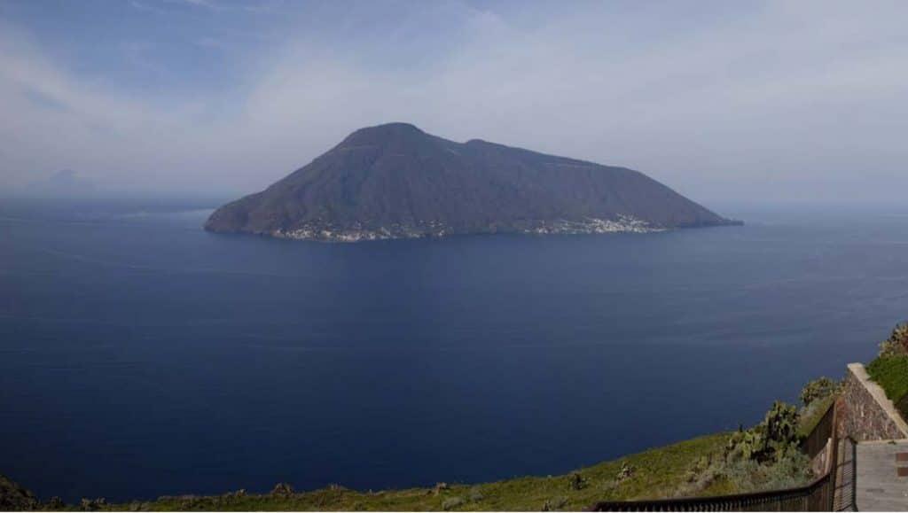 sicily incentive aeolian islands